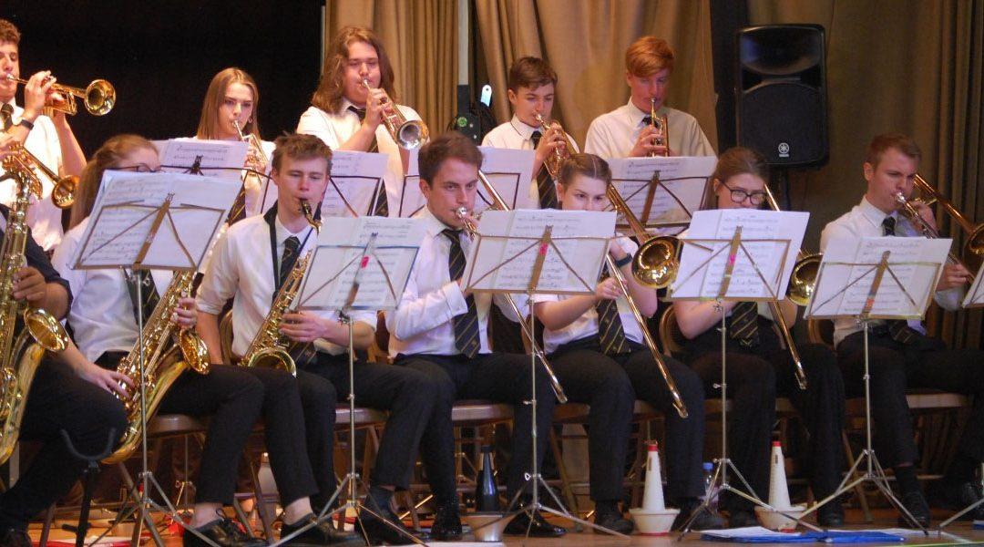 The Friends Jazz & Quiz Night raises just over £800